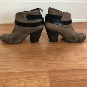 Grey suede RAG & BONE booties!
